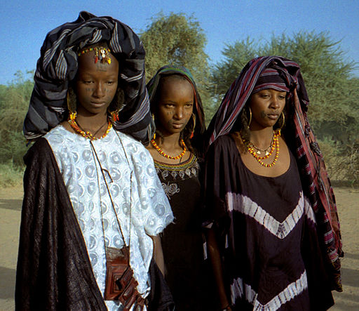 512px-1997_275-15_young_Wodaabe_women